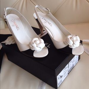 Chanel black and white heels size 41.5 (10)
